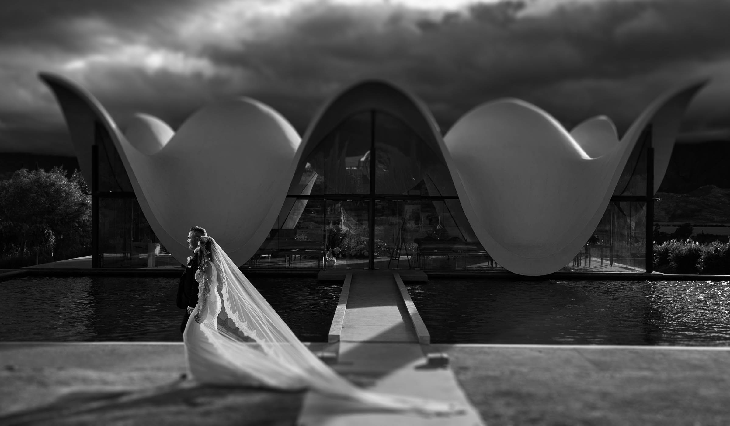 Black and white wedding image at Bosjes wedding chapel in Worcester the Western Cape